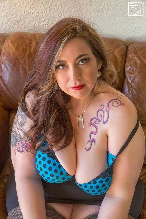 Lauretta live escort in South Valley