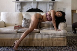 Mayelle escort girl