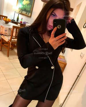 Maria-rosa escort girl in Clive IA