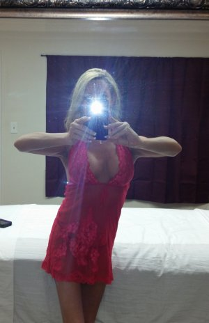 Melissane escort girl in Prescott